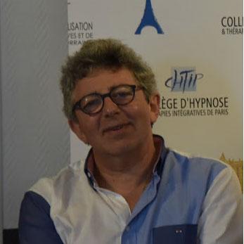 A côté de la plaque. Laurent Gross. Revue Hypnose et Thérapies Brèves.